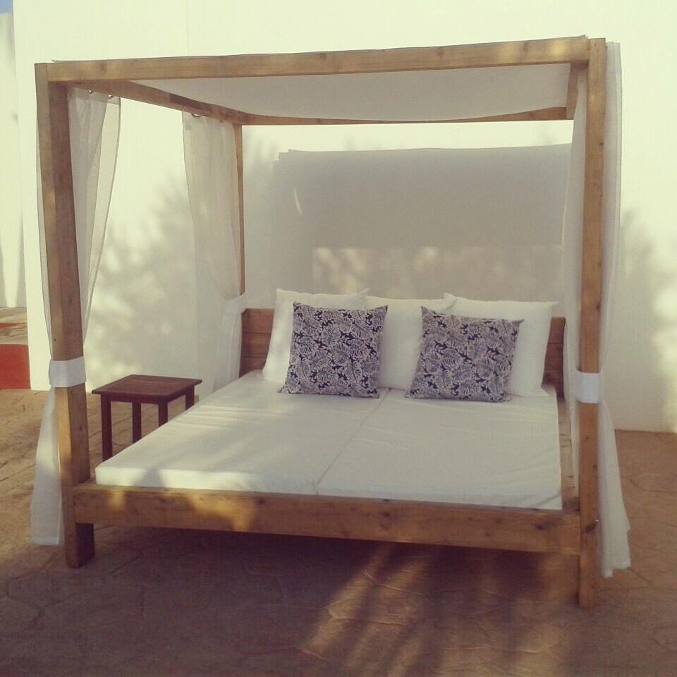 Muebles y textiles exteriores